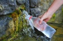 А полезна ли на самом деле родниковая вода?
