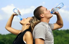 Почему не стоит пить артезианскую воду - польза или вред?