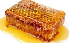 Мед с прополисом - полезные свойства